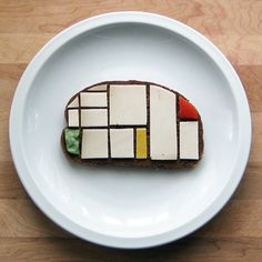 Artist Brittany Powell creates sandwiches inspired by modern art. We love!  Link to her site: http://lowcommitmentprojects.com/2012/01/02/sandwich-artist/