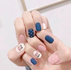 Frosted manicure is very popular, and many women have given up the traditional glossy manicure and replaced it with a matte texture. Although there is no strong luster, it is more fashionable. Soft Nails, Edgy Nails, Stylish Nails, Trendy Nails, Simple Nails, Gel Nails, Acrylic Nails, Cute Nail Art, Cute Nails
