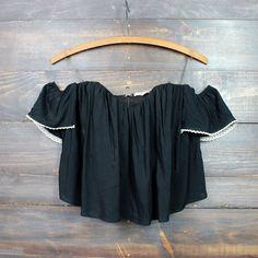 boho chic off the shoulder crop top | black