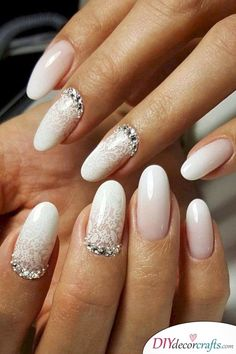 Looking for easy nail art ideas for short nails? Look no further here are are quick and easy nail art ideas for short nails. Wedding Gel Nails, Natural Wedding Nails, Natural Gel Nails, Wedding Nails For Bride, Wedding Nails Design, Bride Nails, Nails For Brides, Jamberry Wedding, Bling Wedding