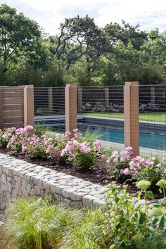 Fence: Swimming Pool Protection Fence: Swimming Pool Protection x x Horizontal Weave Fence Panel (Set of Bel Étage Cheap Privacy Fence Ideas for Your Front Yard or Backyard Cheap Privacy Fence, Diy Fence, Fence Landscaping, Backyard Fences, Wooden Fence, Cheap Fence Ideas, Landscape Architecture, Landscape Design, Fence Design