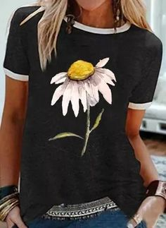 Estilo Jane Birkin, Casual T Shirts, Casual Outfits, Shirt Bluse, Painted Clothes, Casual Tops For Women, Women Sleeve, Basic Tops, Latest Fashion For Women