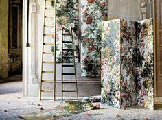 Relooker un paravent avec des chutes de papier peint.