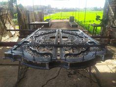 Door Gate Design, Wrought Iron Gates, Blacksmithing, Cnc, Doors, Metal Gates, Steel, Furniture, Blacksmith Shop