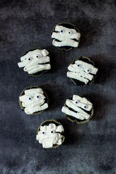 Muffinki mumie na Halloween - DusiowaKuchnia.pl Sugar