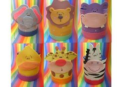 reciclar latas de leches - Buscar con Google Foam Crafts, Diy And Crafts, Crafts For Kids, Craft Foam, Safari Party, Circus Party, Milk Box, Recycle Cans, Class Decoration