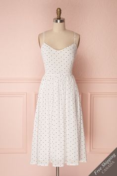 White pleated A-line summer dress with black polkadots – Summer white dress - Summer Outfits Modest Outfits, Classy Outfits, Modest Fashion, Beautiful Outfits, Dress Outfits, Fashion Dresses, Cute Outfits, Stylish Dresses, Simple Dresses