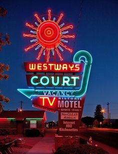 Westways Court - Vacancy - TV - Historic Motel Since 1946 vintage sign - Delta, Colorado