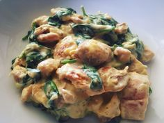 French Cream Chicken - An ahhhh-mazing tasting creamy chicken dish that's LOW CARB! Slow Cooker Recipes, Low Carb Recipes, Crockpot Recipes, Chicken Recipes, Cooking Recipes, Healthy Recipes, Duck Recipes, Keto Chicken, Healthy Meals