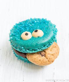Cookie Monster macarons   10 Scrumptious Macarons - Tinyme Blog