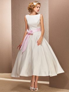 Lanting Princess Petite / Plus Sizes Wedding Dress - Ivory Tea-length Bateau Satin - USD $89.99