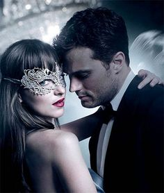 Fifty Shades Darker Trailer Jamie Dornan and Dakota Johnson return as Christian Grey and Anastasia Steele in Fifty Shades Darker, the second chapter based on. 50 Shades Trilogy, Fifty Shades Series, Fifty Shades Movie, Shades Of Grey Movie, Ana Steele, Fifty Shades Of Darker, Christian Grey, Dakota Johnson, Eric Johnson