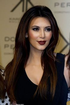 kim Kardashian Sleek Long Straight hair styles with long ombre hair extensions Haircuts For Long Hair, Trendy Hairstyles, Straight Hairstyles, Girl Hairstyles, Beautiful Hairstyles, Celebrity Hairstyles, Beauty Makeup, Hair Makeup, Hair Beauty