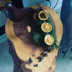 Prosty, minimalistyczny stroik świąteczny zrobiony z produktów znalezionych w kuchni i na spacerze. Eleganckie stroiki nie muszą być drogie. Wystarczy pomysł i trochę gorącego kleju Blond, Straw Bag