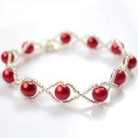 Here I want to show you a red pearl bracelet, I hope you will like this simple and fashion style pearl bracelet.