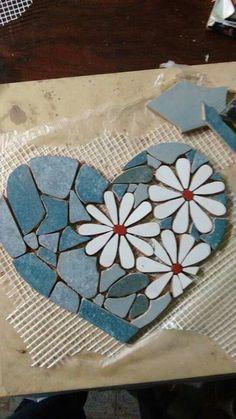 Related Image – My Wedding – Mosaic Mosaic Garden Art, Mosaic Tile Art, Mosaic Rocks, Mosaic Stepping Stones, Mosaic Artwork, Mosaic Crafts, Mosaic Projects, Mosaic Glass, Glass Art