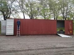 She bought four metal containers, and transformed them to build an absolutely sublime home! - Build Container Home Container Architecture, Container Buildings, Shipping Container Design, Shipping Containers, Metal Containers, Four Seas, Sea Container Homes, Quebec, Modern Architecture