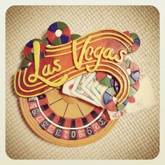 アメリカのラスベガスのもの。ラスベガスと言えばやっぱりカジノということでこのマグネットをチョイス!でもここはギャンブルだけでなく色んな人の欲望が渦巻く街。