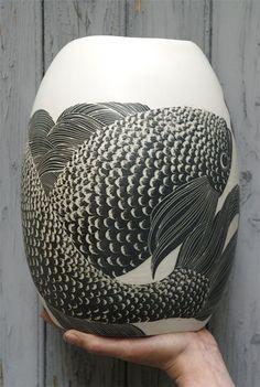 vase de Simone Perrotte / inspiration - as escamas- a textura - o jeito de as…