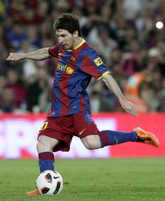 Lionel Messi is my favorite soccer player because he plays for Argentina and Barcelona, the team of Barcelona help Messi to play throughout he's whole life.