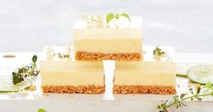 Gin and tonic-infused jelly takes this lemon slice to a whole new level of deliciousness. Coconut Slice, Lemon Slice, Jelly Cheesecake, Cheesecake Recipes, Dessert Recipes, Jelly Slice, No Bake Slices, Chocolate Slice, Tea Snacks