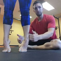 THE NUMBER ONE EXERCISE TO FIX YOUR FEET Here it is! This is the exercise I use with every patient to fix foot and ankle issues. How can it help you? pronate: You most likely don't have an effective windlass mechanism and don't engage the deep c Fitness Workouts, Fitness Diet, Mens Fitness, Ankle Exercises, Tight Hip Flexors, Psoas Muscle, Calf Muscles, Feet Care, Physical Therapy