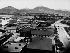 "Bird's-eye view of Tucson from the courthouse, looking west, after 1900. ""A"" Mountain is in the far left of the background.    Image courtesy of the Arizona Historical Society/Tucson AHSB93483."