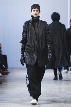 Ann Demeulemeester Fashion Show Menswear Collection Fall Winter 2017 in Paris
