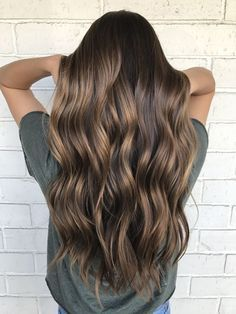 Are you going to balayage hair for the first time and know nothing about this technique? We've gathered everything you need to know about balayage, check! Brown Hair Balayage, Brown Hair With Highlights, Bronde Balayage, Balayage Brunette Long, Brown Highlighted Hair, Sunkissed Hair Brunette, Brown Bayalage, Fall Balayage, Long Brunette Hair