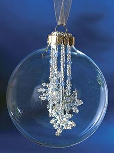 Beaded Christmas Ornaments Flurries in the forecast Christmas Ornaments To Make, Noel Christmas, Homemade Christmas, Christmas Projects, Christmas Crafts, Beaded Christmas Decorations, Diy Christmas Jewelry, Glass Christmas Balls, Christmas Spider