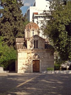 The small but beautiful Byzantine church of Panagia Gorgoepikoos or Agios Eleftherios is also known as the Mikri Mitropoli (small cathedral). Bauhaus, Cathedral Church, Athens Greece, Ancient Greece, Cathedrals, Byzantine, Cyprus, Potted Plants, Old Town