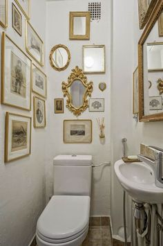 FleaingFrance.....elegance in a small space. What fun it would be to visit a friend's home, go to the powder room, and encounter something so lovely as this!