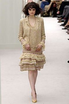 Chanel Spring 2004 Couture Fashion Show - Ciara Nugent (MARILYN)
