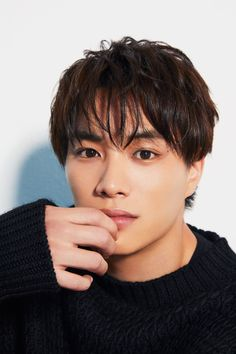 Cute Japanese Boys, Cute Korean Boys, Asian Boys, 三代目j Soul Brothers, Young Actors, Beautiful Artwork, Handsome Boys, Bangs, Boy Or Girl