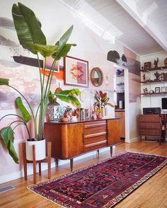 Home Decor Inspiration .Home Decor Inspiration Bungalows, Boho Living Room, Living Room Decor, Retro Living Rooms, Decor Room, Modern Living, Living Spaces, Wall Decor, Cheap Home Decor
