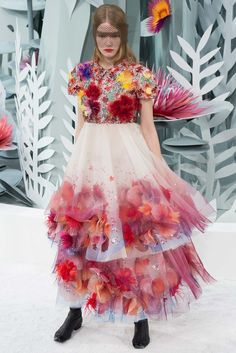 Chanel Spring 2015 Couture Fashion Show - Hollie-May Saker (Elite)