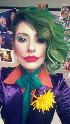 40 Elegant Joker Makeup Ideas For Halloween Party To Try Today - The Joker Halloween costume is possibly the most sought after outfit this trick or treat season. It's easy to understand why! It's a very fun outfit t. Halloween Kostüm Joker, Halloween Makeup Looks, Creative Halloween Costumes, Halloween Season, Halloween 2018, Halloween Make Up, Halloween Crafts, Halloween Party, Female Joker Costume