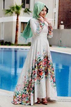 Merve Gündüz Ekru Flora Abiye Elbise