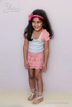 Вязаный комплект для девочки от ZHAVIknitwear на Etsy, $30.00