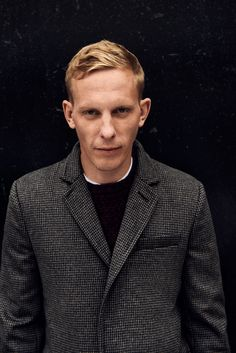 Further to sharing the tear sheets from last Friday's ES Magazine Laurence Fox shoot, here are the images along with a couple of additional...