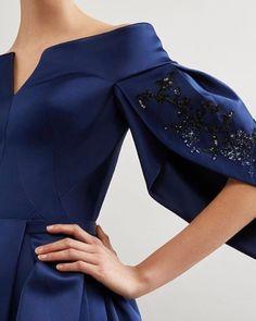 Ideas For Embroidery Dress Blue Haute Couture Look Fashion, Fashion Details, Womens Fashion, Fashion Design, Fashion Trends, Elegant Dresses, Beautiful Dresses, Couture Dresses, Fashion Dresses