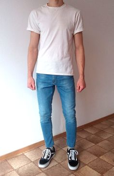 vans old skool skinny jeans boys guys outfit Cool Outfits For Men, Outfits For Teens, Trendy Outfits, Men Looks, Korean Fashion Men, Mens Fashion, Skinny Guys, Skinny Jeans, Perfect Outfit