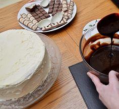 DomoweTorty - Czekoladowy tort z Kinder Bueno Junk Food, Chocolate Fondue, Pudding, Ice Cream, Desserts, No Churn Ice Cream, Tailgate Desserts, Deserts, Icecream Craft