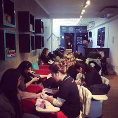 Começando bem a semana aqui no #espacodellasbar #blowout #nails #paraserbonitadivirtase #vem
