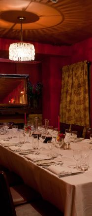 The restaurant in Farringdon was a great place for a group evening meal and the food, exquisite! French Restaurants, London Restaurants, Places To Eat, Great Places, Restaurant Offers, Evening Meals, London City, Table Decorations, Group
