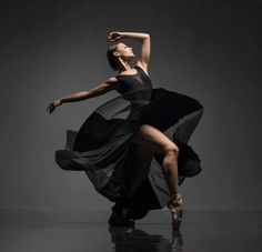 <<Alisa Uzunova is the graduate of Vaganova Ballet Academy in Saint-Petersburg# Photo © Vadim Stein>> Modern Dance Photography, Dancer Photography, Photography Hacks, Ballet Art, Ballet Dancers, Vaganova Ballet Academy, Dance Photo Shoot, Poses Photo, Indian Photoshoot
