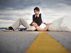 Looking for a little wedding photography inspiration? Here are 25 creative wedding photo ideas that are just too good to pass up. Couple Photography, Engagement Photography, Photography Poses, Creative Photography, Photography Pricing, Bridal Photography, Engagement Pictures, Wedding Fotos, Wedding Pictures