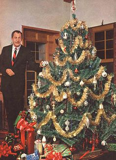 Have a very scary Christmas with Vincent Price Christmas Past, Retro Christmas, Vintage Holiday, All Things Christmas, Christmas Holidays, Christmas Decorations, Holiday Decor, Happy Holidays, Christmas Specials