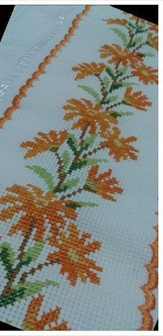 Cross Stitching, Cross Stitch Embroidery, Hand Embroidery, Embroidery Patterns Free, Cross Stitch Patterns, Cross Stitch Rose, Needlework, Diy And Crafts, Crochet