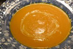 Crema de calabaza asada Garden Pots, Tray, Soup, Soups And Stews, Spoons, Canary Birds, Diary Book, Garden Planters